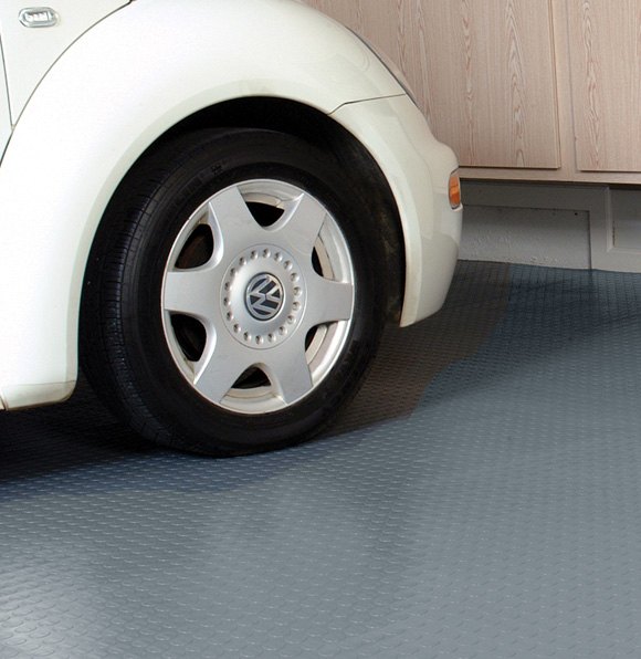 Coin pattern garage flooring and coin pattern roll out for American garage floor