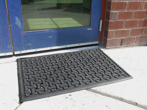 Outdoor rubber rugs