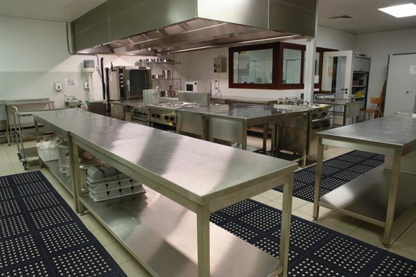 Restaurant Kitchen Rubber Mats drainage rubber matting tiles are interlocking rubber mats