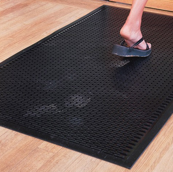 How to clean rubber mats
