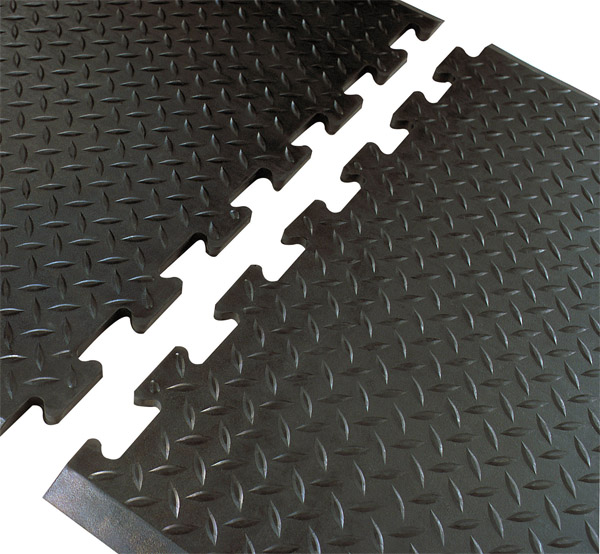Diamond plate linkable anti fatigue mats are interlocking