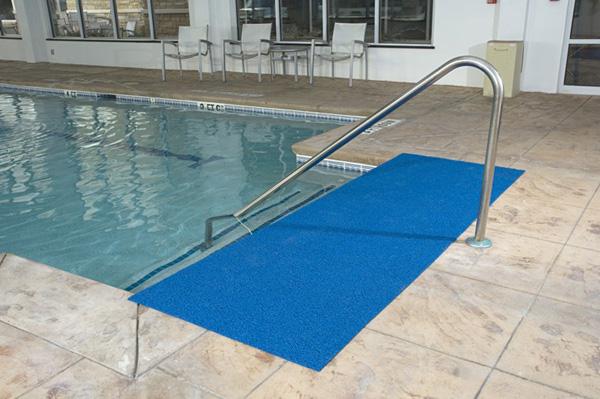 Frontier vinyl loop pool mats by american floor mats for Pool area flooring
